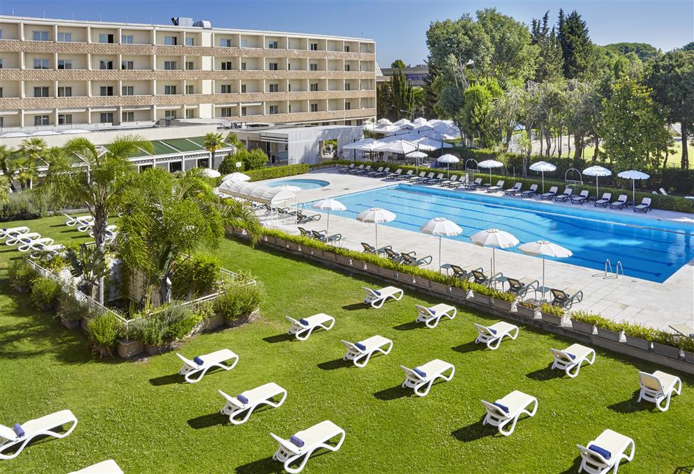 Pool_Crowne_Plaza_Rome_St_Peter