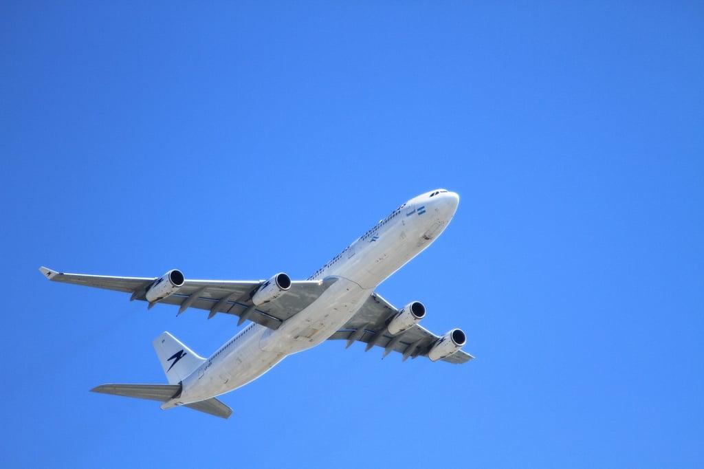 Plane_to_Italy.jpg