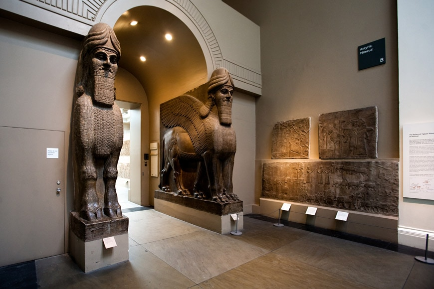 British-Museum-London-Assyrian-winged-lions-1