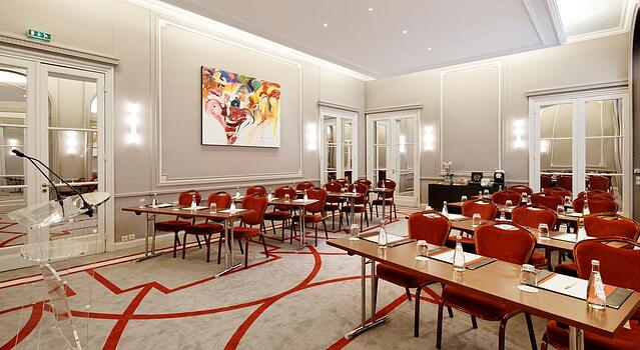 Hotel California Paris Champs-Elysees.jpg