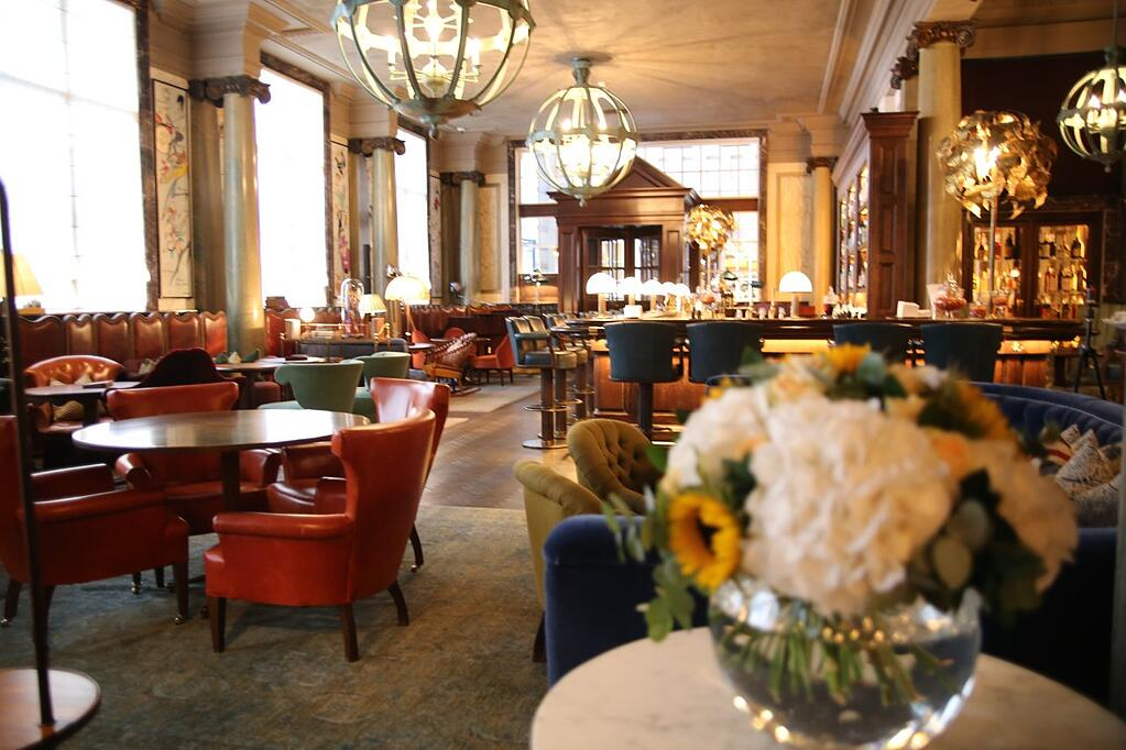 Scarfes-Bar-the-rosewood-london.jpeg