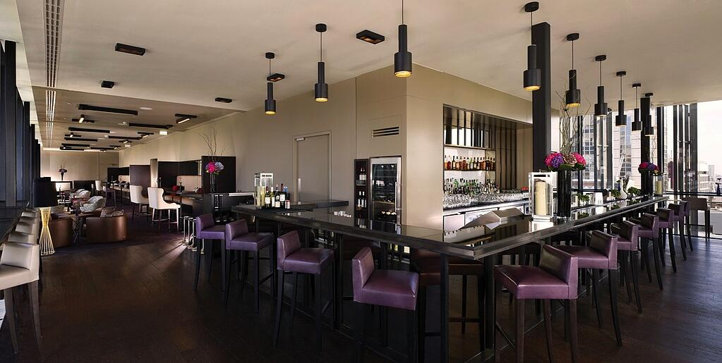 SkyLounge Bar Interior-Hilton-London.jpg