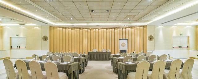 hesperia_madrid-631-meeting_room_setting.jpg