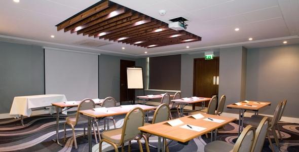 sig-gatwick-meeting-room-02-590x530.jpg